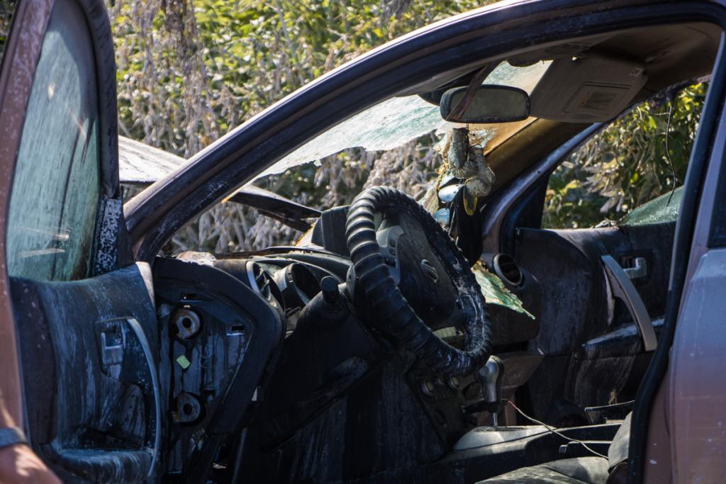 В Днепре загорелся автомобиль с детьми: появились жуткие фото, фото-3
