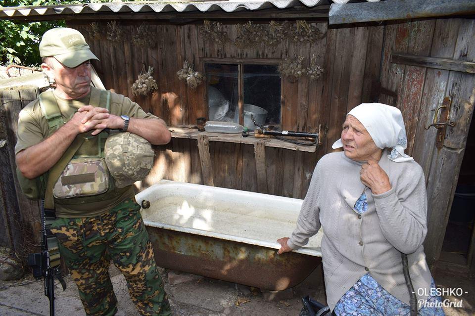 Появились первые фото освобожденного поселка под Горловкой, фото-2