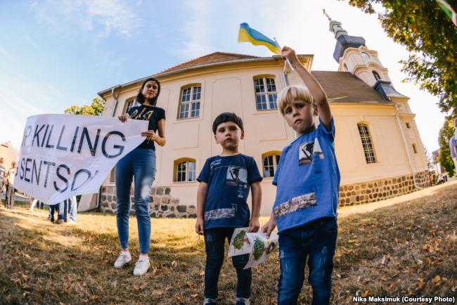 «Атмосфера всеобщей ненависти» — берлинцы устроили Путину «теплый» прием, фото-4