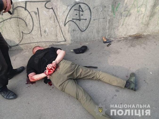 В киевском троллейбусе мужчина открыл стрельбу: появились фото, фото-3
