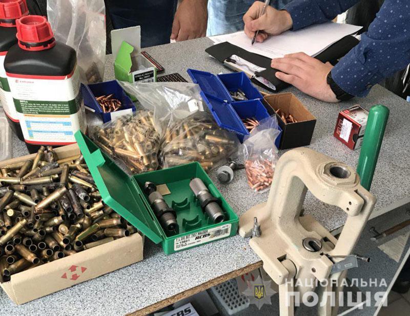 В Краматорске в магазине под вывеской штор изготовляли боеприпасы, фото-4