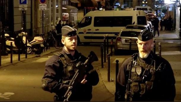 В Париже мужчина напал с ножом на прохожих: семь пострадавших, фото-2