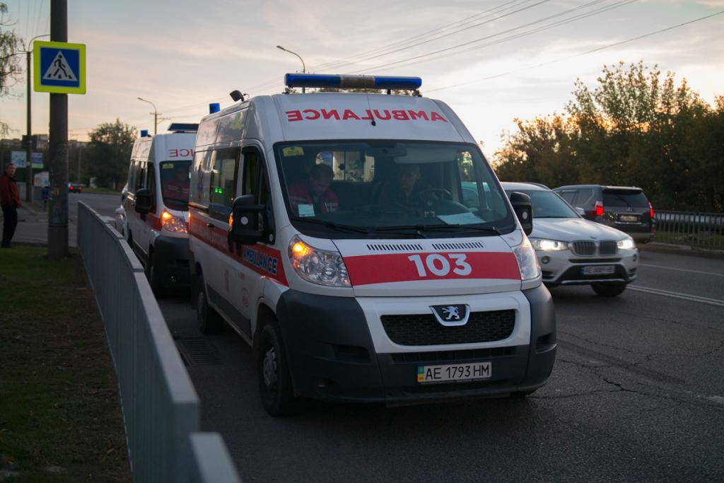 В Днепре на пешеходном перекрестке сбили отца с ребенком, фото-2