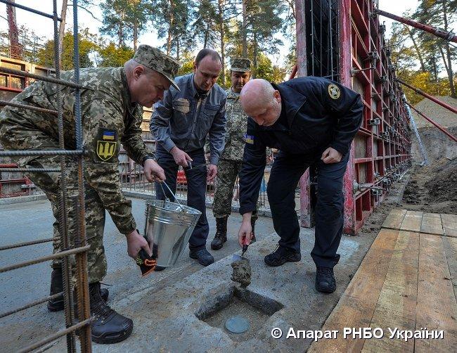 Турчинов рассказал о строительстве в Украине современного разведцентра, фото-3