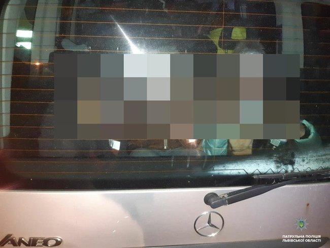 Во Львове нетрезвая женщина везла в багажнике трех детей, фото-3