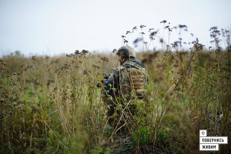 Украинские военные провели зачистку в селе под Волновахой, фото-3