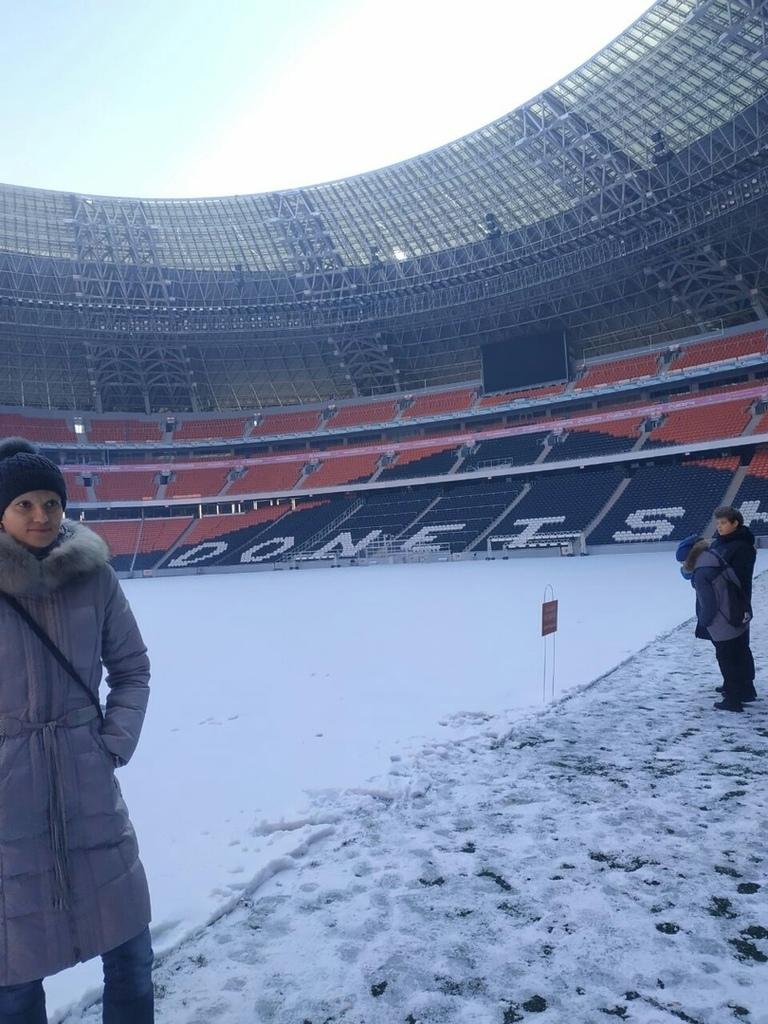 Донбасс Арена: пустая и заснеженная