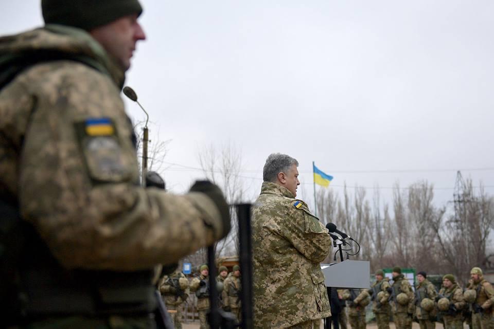 Порошенко побывал на Донбассе и пообщался с военными, фото-7