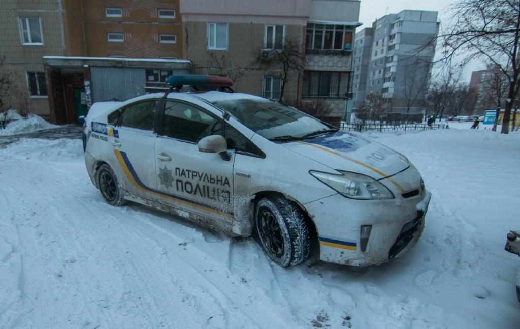 В Киеве мужчина выпал из окна шестого этажа, фото-3