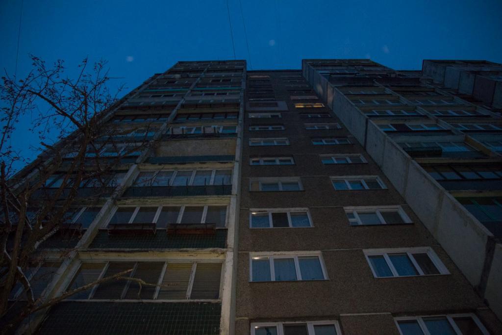 В Киеве мужчина выпал из окна шестого этажа, фото-4