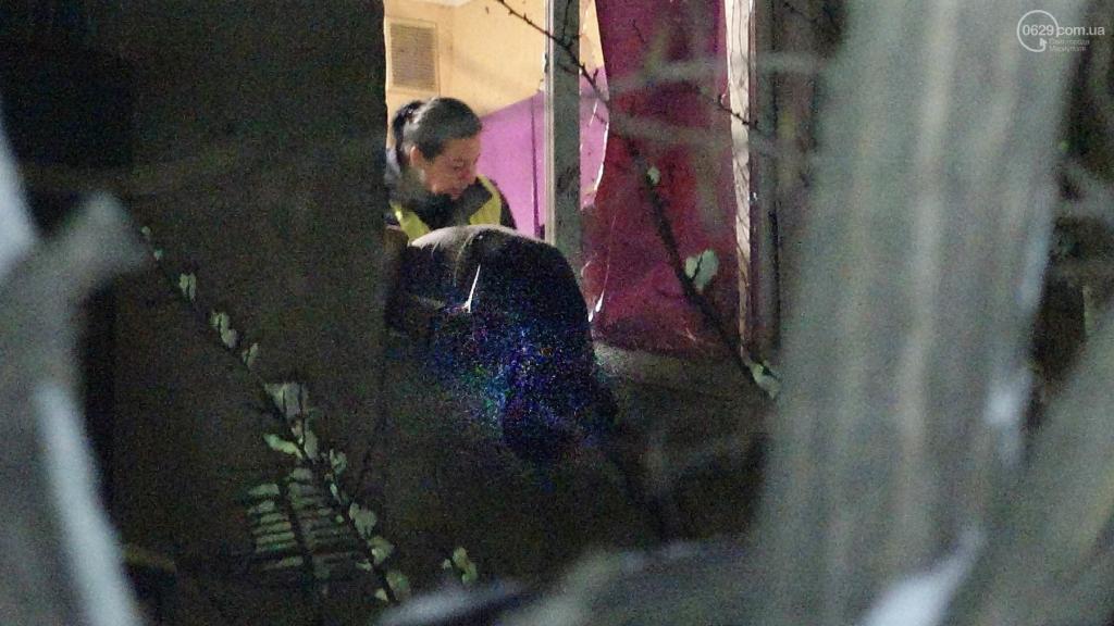 В Мариуполе в жилом доме прогремел взрыв: есть жертвы, фото-10