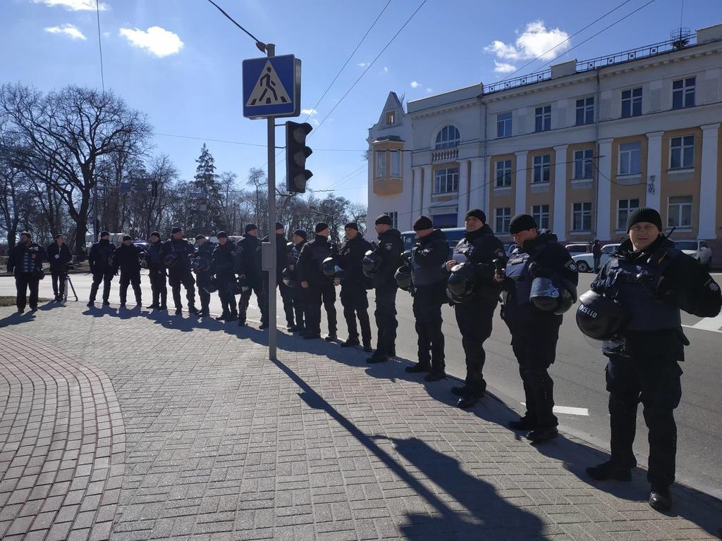 «Я вас не боюсь»: Порошенко удивил активистов «Нацкорпуса» в Чернигове, фото-3