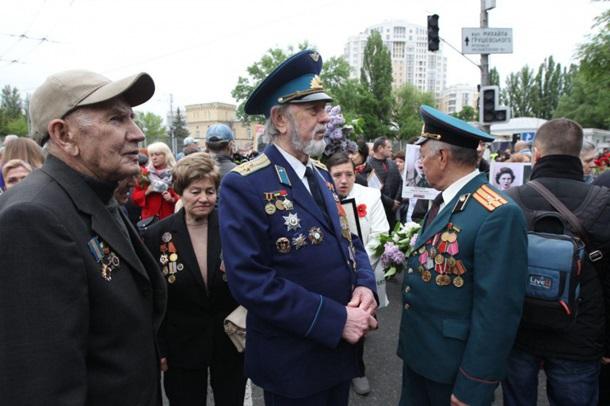В Киеве на акцию «Бессмертный полк» пришли несколько сотен людей, фото-3