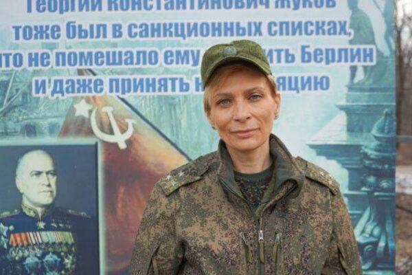 На Донбассе предательница Украины получила паспорт РФ, фото-5