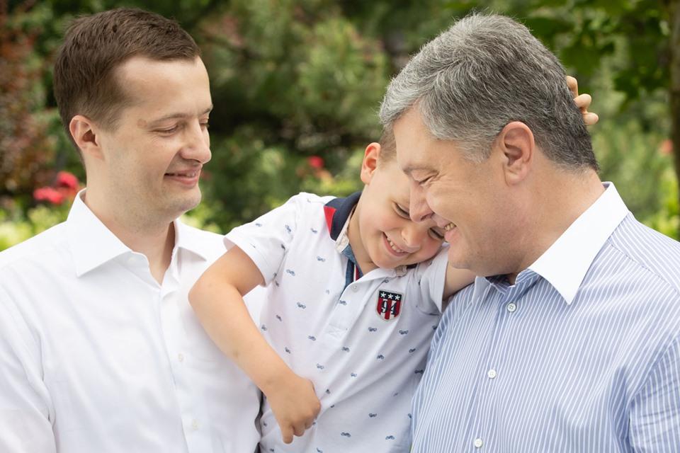 Порошенко опубликовал трогательное видеопоздравление с Днем отца, фото-2