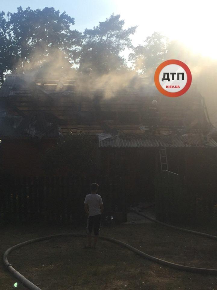 В Киевской области сгорел дом, где снимали сериал «Сваты», фото-2