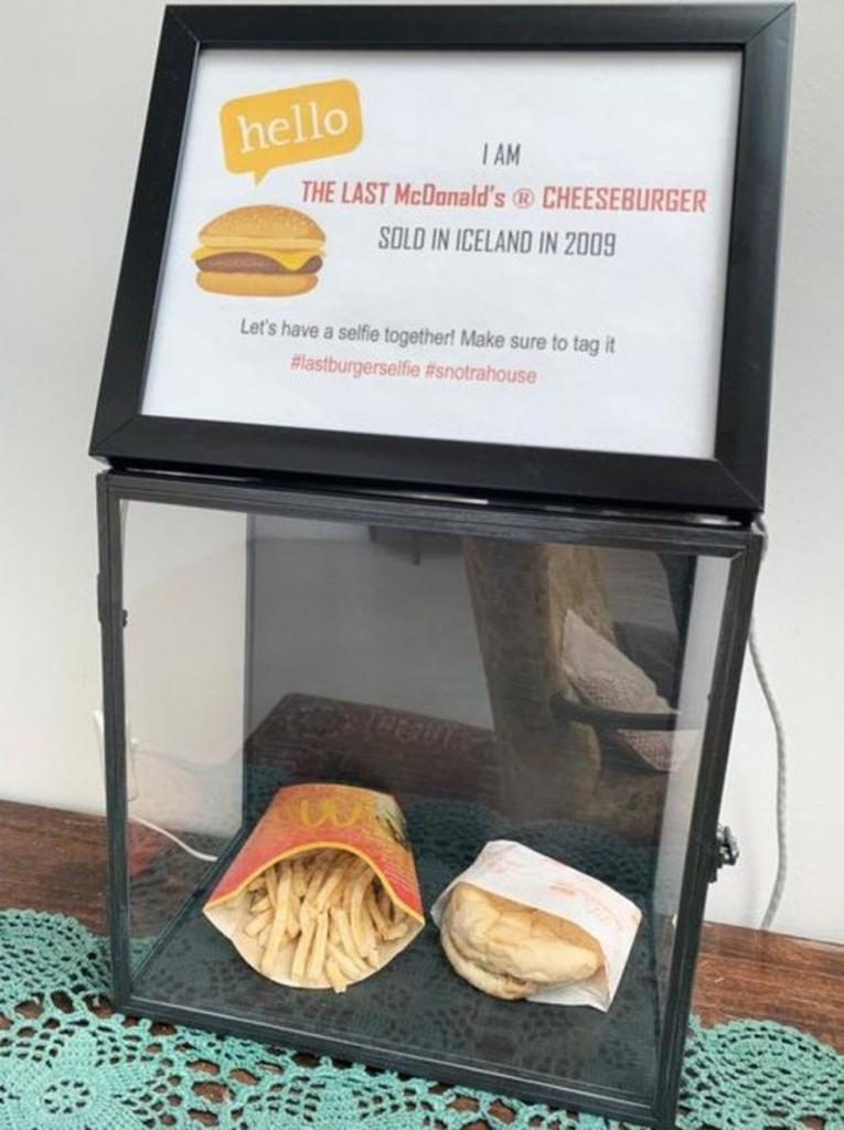 В Сети показали, во что превратятся бургер и картофель фри через 10 лет, фото-2