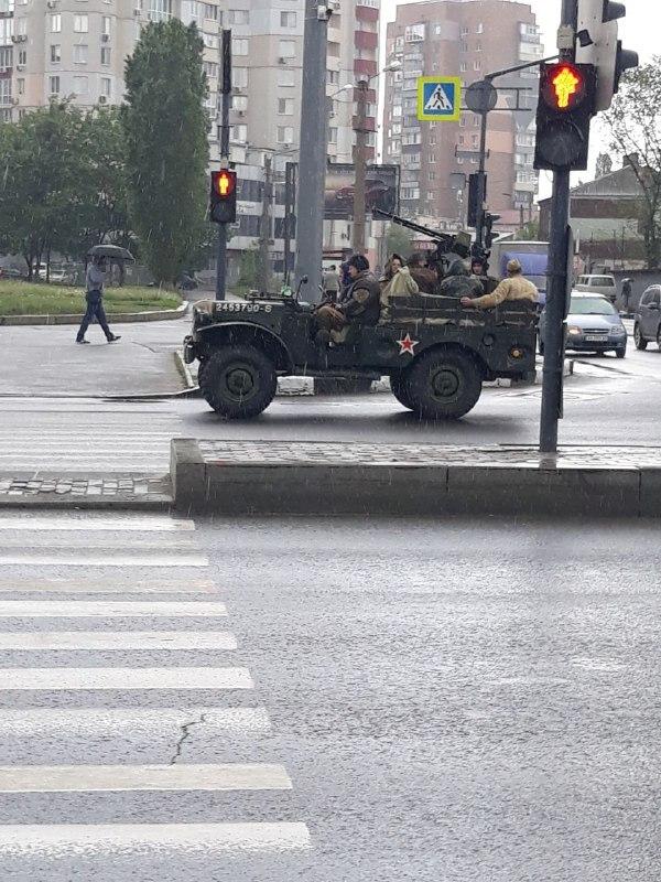 «Без масок и дистанции»: в Харькове, несмотря на карантин, устроили мероприятие ко Дню Победы, фото-4
