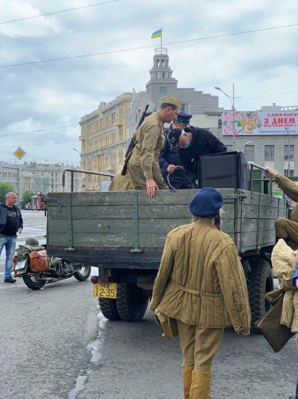 «Без масок и дистанции»: в Харькове, несмотря на карантин, устроили мероприятие ко Дню Победы, фото-2