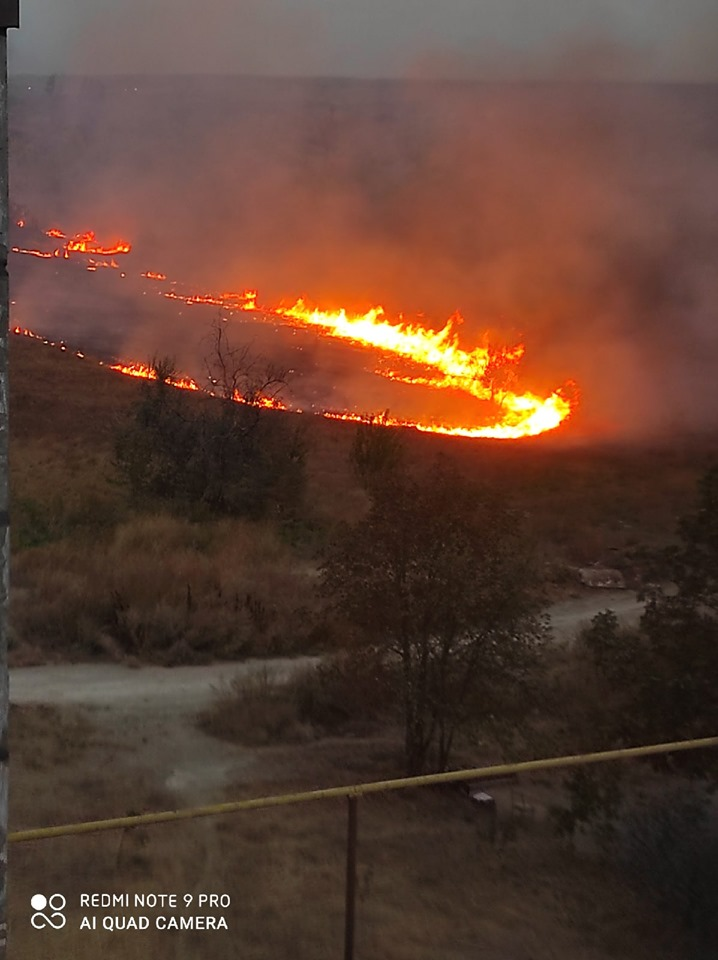 В нескольких районах Донецка сильные пожары