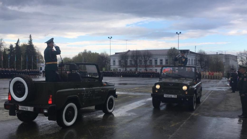 «Самолеты, вертолеты, танки, ракетные комплексы»: в Москве ...